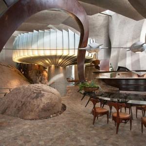 Kamień to nie tylko budulec, to także piękna dekoracja. Fot. Organicmodernestate.com, TKK Represents.