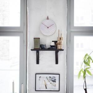 Ścienny zegar, materiał: plastik, aluminium. 39,99 zł. Fot. IKEA.
