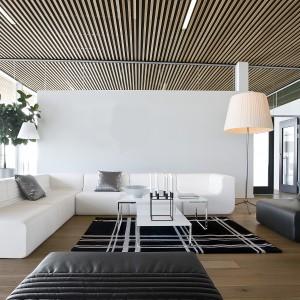 Ultra nowoczesna kanapa narożna LOFT marki Softline pasuje nie tylko do wnętrz industrialnych. Fot. Softline.