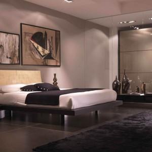 Wind marki Fimes to łóżko z oryginalnym, zaokrąglonym zagłowkiem w złotym, ciepłym kolorze. Fot. Fimes
