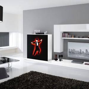 Dość ekstrawagancki model - czarne, dekoracyjne fronty mogą stanowić konkurencję dla telewizora. Fot. Spar.it.