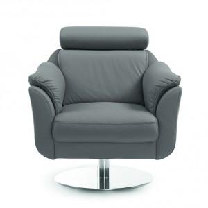 Fotel Amethyst dzięki licznym nowoczesnym rozwiązaniom zapewnia duży komfort wypoczynku.  Regulowany zagłówek, ergonomicznie wyprofilowane oparcie, a także miękkie podłokietniki gwarantują wygodę na wysokim poziomie, 86/118/101. Od 1.502 zł, Bydgoskie Meble.