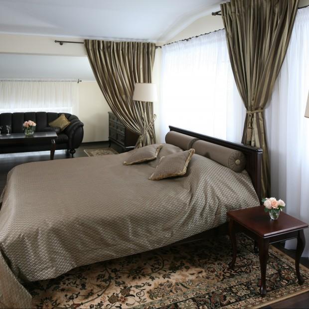 Piękna sypialnia w klasycznym stylu