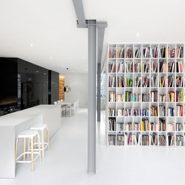 Cegła na ścianie: wnętrze, które zachwyca prostotą