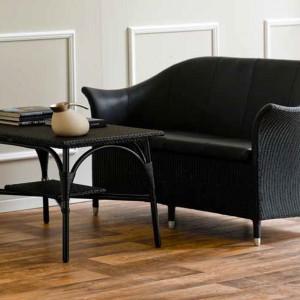 Niezwykle elegancki zestaw z czarnego technorattanu. Fot. Sika Design.