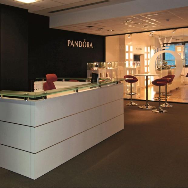 Pudełko na diamenty. Biuro firmy Pandora