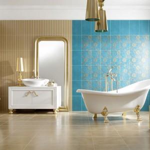 Kolekcja płytek ceramicznych Petersburg dostępna w wyrazistym turkusowym kolorze ze złotym ornamentem. Fot. Paradyż.