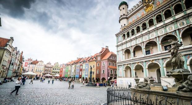 Polacy uczą się architektury z seriali i Internetu
