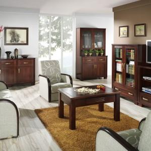 Magic Collection - meble wykonane z drewna litego, co czyni z nich solidną bryłę ze starannie dobranymi uchwytami mosiężnymi. Fot. Unimebel.
