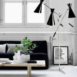 Czarno-stalowa lampa Stanley. Fot. Delightfull.