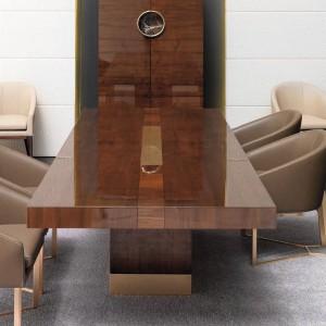 Jadalnianą kompozycję uzupełniają eleganckie krzesła w kolorze kawy z mlekiem. Fot. Mobil Frenso.