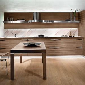 Meble kuchenne Time marki Snaidero oferują spokojną równowagę wyrafinowanych rozwiązań, które idealnie komponują się z codziennym rytmem prac kuchennych. Fot. Snaidero.