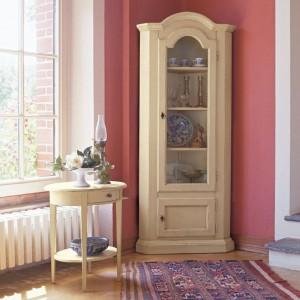 Witryna i stolik z kolekcji Decor marki Tonin Casa. Fot. Tonin Casa.