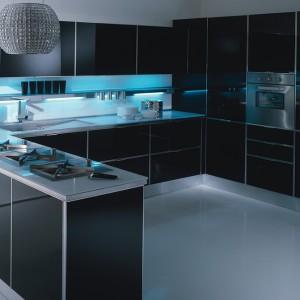 Kuchnia Diamante marki Trochetti przyciąga uwagę swym pięknem oraz niezwykłą dbałością o komfort i funkcjonalność przy codziennych pracach kuchennych. Fot. Trochetti.