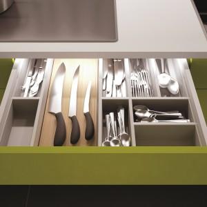 Pełne wyposażenie do organizacji przestrzeni w szufladach. Wkłady z tworzywa sztucznego, stalowe lub drewniane. Wycena indywidualna, Häfele