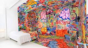 Hotel Au Vieux Panier w Marsylii co roku zaprasza do współpracy pięciu artystów, którzy w dowolny sposób mogą zaaranżować hotelowe pokoje. Zapraszamy do zapoznania się z wyjątkowymi projektami!