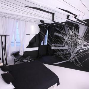 Przestrzenna,dynamiczna instalacja wg.pomysłu Thomasa Canto. Proj.Thomas Canto. Fot.Au Vieux Panier.