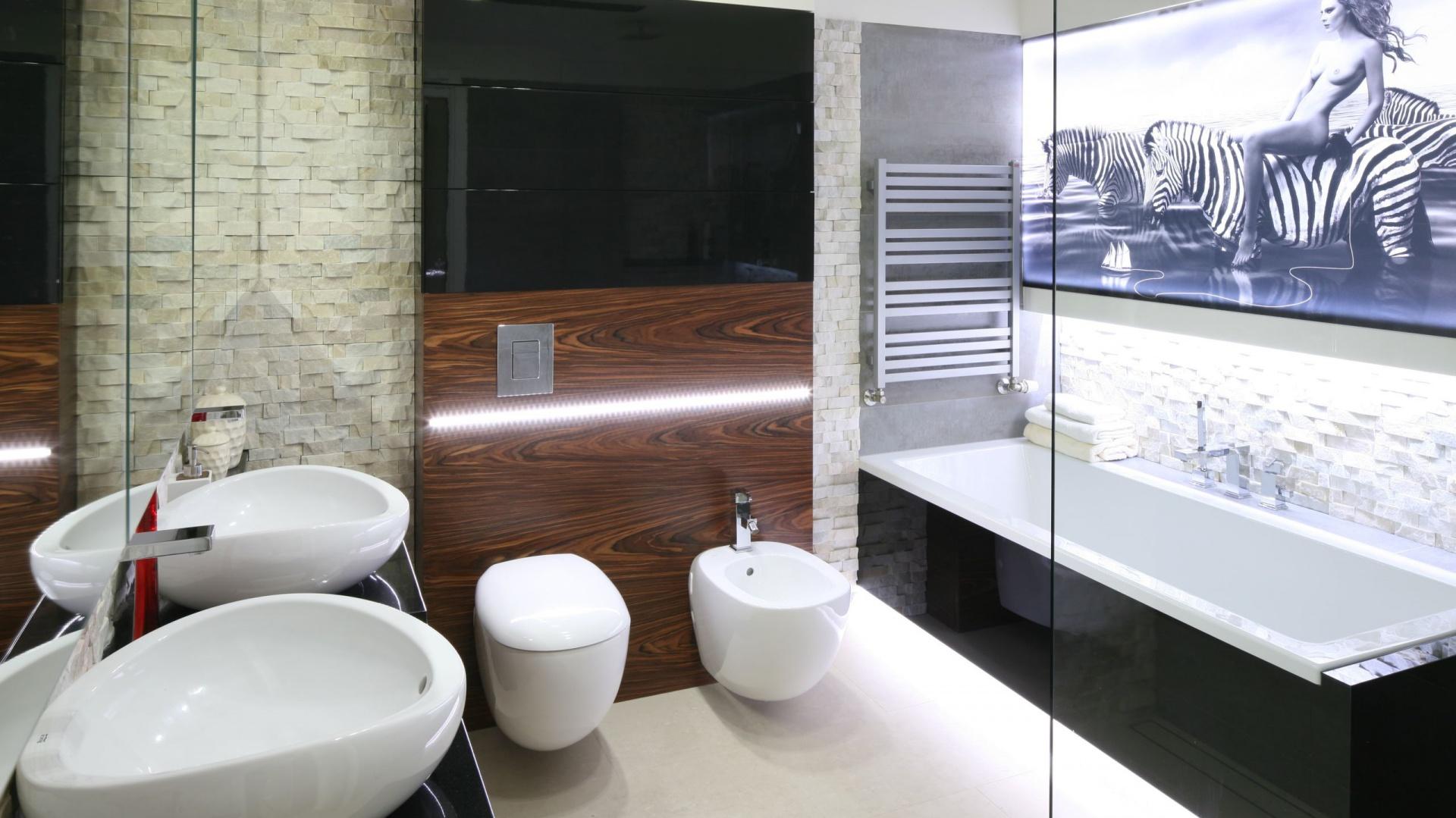 łazienka Z Ozdobnym Kamieniem Wnętrze W Szlachetnych