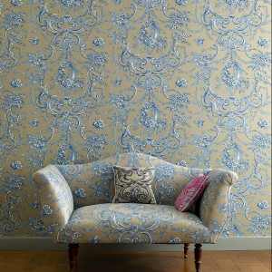 Niezwykle eleganckie połączenie niebieskiego z szarością. Fot. Colefax and Fovler.