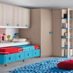 Nieregularna faktura dywanu korzystnie wpływa na kondycję dziecięcych stóp. Fot. Muebles Lara.