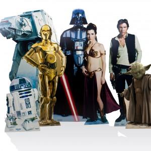 Kartonowe postaci z Gwiezdnych Wojen - do postawienia w pokoju. Fot. Firebox.