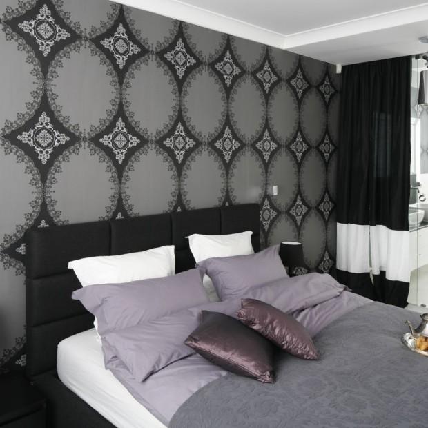 Styl glamour: sypialnia połączona z łazienką