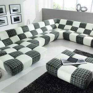 Duża, wygodna sofa Bronx nawiązująca wyglądem do piłki nożnej. Fot. Grupa IMS.