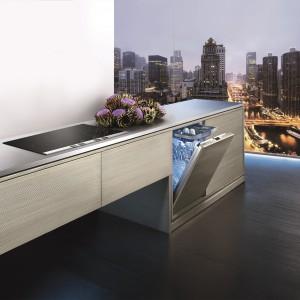 Dotykowo otwierane sprzęty AGD tak jak widoczna na zdjęciu zmywarka marki Siemens. To idealnie rozwiązanie do eleganckiej kuchni otwartej na salon. Fot. Siemens.