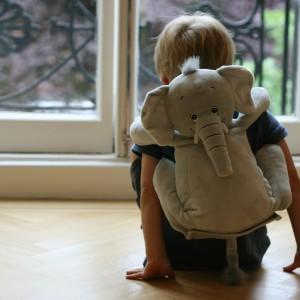 Dzięki szalkom ukochana maskotka dziecka może być  zawsze przy właścicielu. Fot. Bobo Buddies.