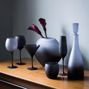 Do dekoracji z powodzeniem można wykorzystać elementy jednej kolekcji. Fot. Debenhams.