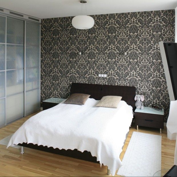 Zabudowa w sypialni. 12 pomysłów na aranżację