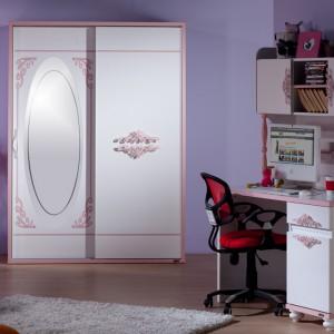 Biurko z lustrem pełni jednocześnie funkcję toaletki. Fot. Istikbal.