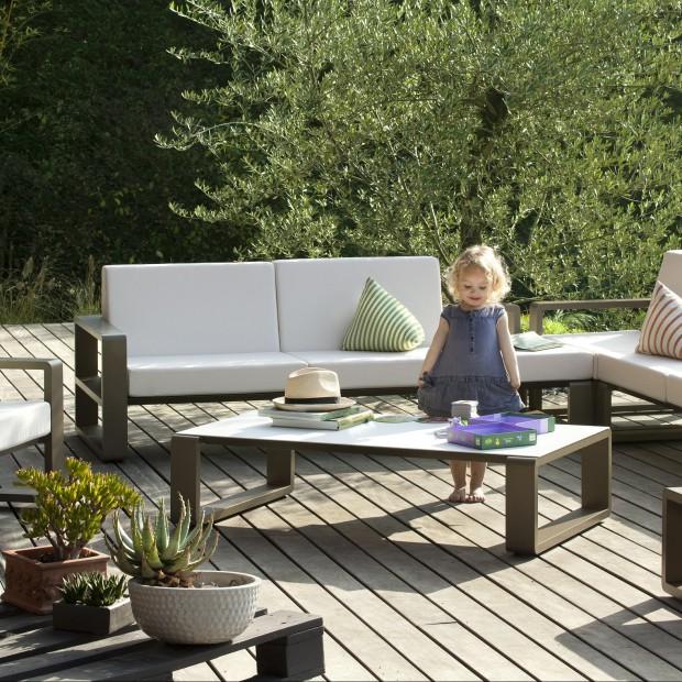 Wypocznij na świeżym powietrzu! 25 najpiękniejszych pomysłów na meble ogrodowe