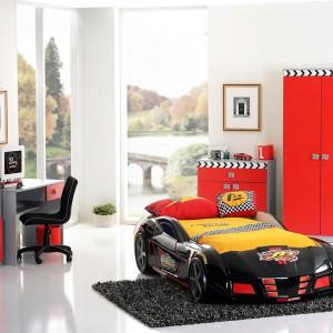 Łóżko w kształcie samochodu najlepiej jest ustawić w centralnej części pokoju. Fot. Kids and Teens.