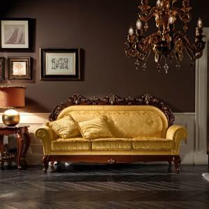 Elegancka aranżacja w kolorze brązu i złota. Fot. Treci.
