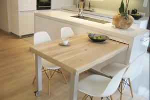Apartament we Wrocławiu, salon z kuchnią.