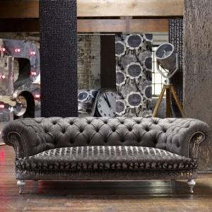 Kanapa Apollo marki Linwood sprawdzi się zarówno w nowoczesnym, jak i klasycznym wnętrzu. Fot. Linwood.