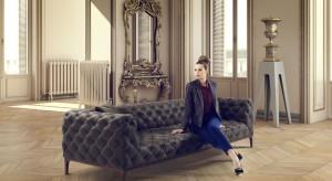 Charakterystyczne przeszycia na tapicerce nigdy nie wychodzą z mody. Może więc wybierając się na zakupy mebli do salonu warto zdecydować się na pikowaną sofę. Zobaczcie najładniejsze modele z stylu nowoczesnym i klasycznym.