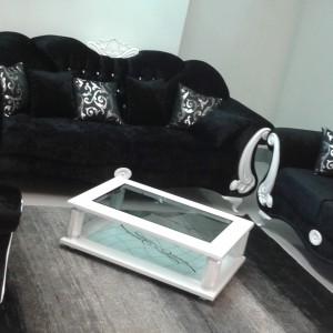 Barokowe kanapy w eleganckim, czarnym kolorze. Fot. Turkish Home.