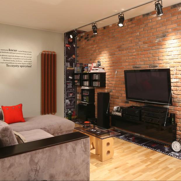 Telewizor w salonie. Najciekawsze pomysły z polskich domów