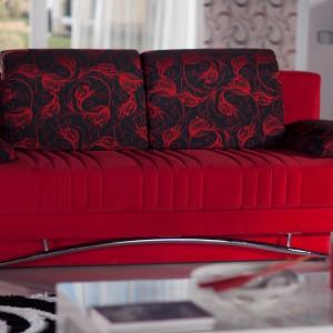 Sofa w kolorze intensywnej czerwieni. Fot. Istikbal.