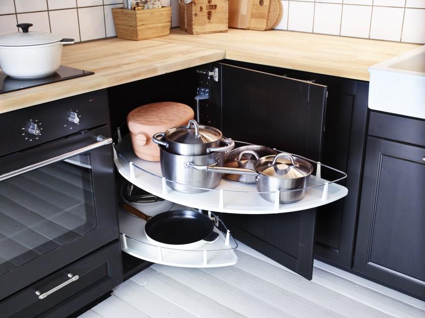 Wysuwane półki Utrusta z...  Przechowywanie w kuchni. Pomysły na szafki narożne  Strona: 5