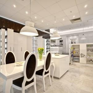 Salon firmy Peka w Warszawie.