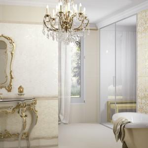 Płytki łazienkowe z Elegy marki Aparici utrzymane w klasycznej bieli, kremach i złocie. Wyróżniają się subtelnym barokowym dekorem tworzącym atmosferę saloniku kąpielowego. Fot. Aparici.