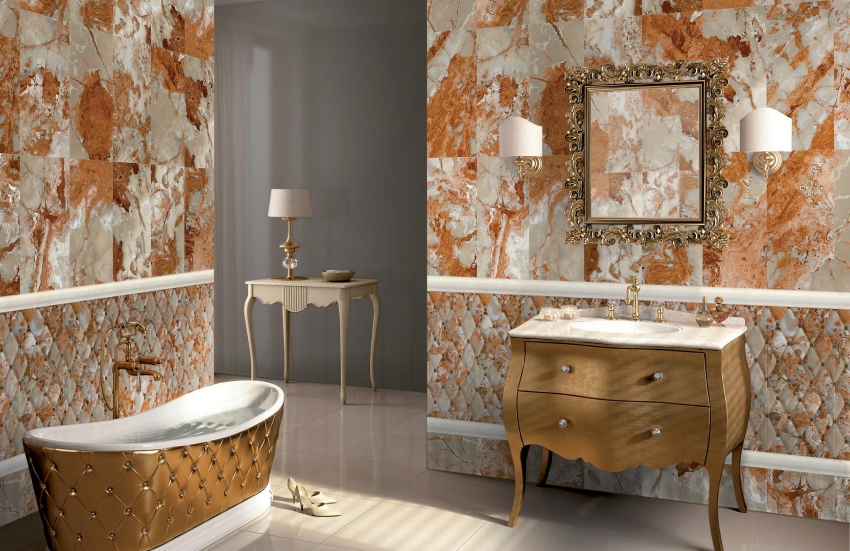 Płytki ceramiczne z kolekcji Orion marki Navarti imitujące strukturę kamienia o ciepłym, miodowym wybarwieniu oryginalnego dekoru oraz szarym, stonowanym tle. Fot. Navarti.