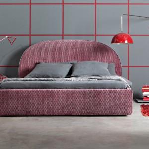 Łóżko Tondo z okrągłym kształtem zagłówka. Fot. Letti & Co.