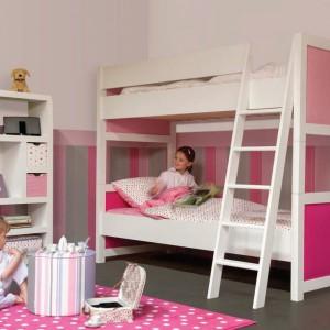 Różowo-białe łóżko przeznaczone dla dwóch dziewczynek. Fot. Pazapas.