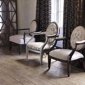 Eleganckie krzesła Enigma marki Linwood. Fot. Linwood.