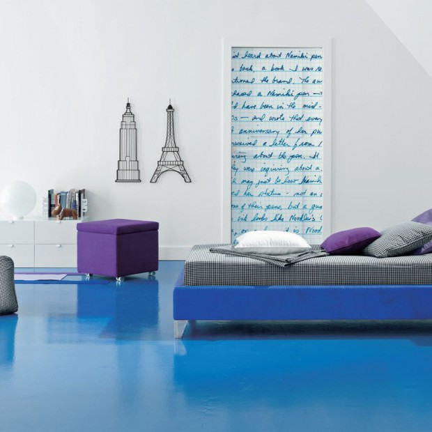 Minimalistyczny pokój nastolatki. Na niebiesko, z pomysłem