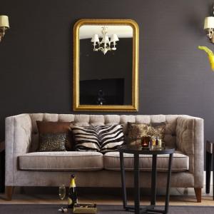 Dekoracyjne kinkiety to najbardziej efektowny sposób uzupełnienia oświetlenia głównego. Fot. Tesco Direct.